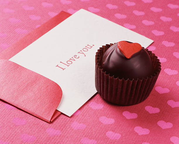 Chocolate Truffle With a Card Saying I Love You:スマホ壁紙(壁紙.com)
