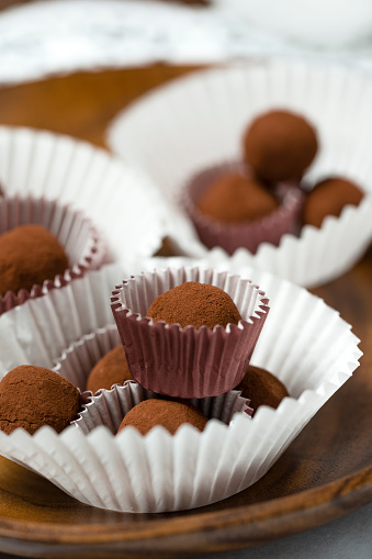 Praline「Chocolate truffles」:スマホ壁紙(13)