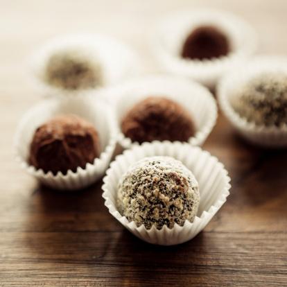 Cocoa「チョコレートトリュフ」:スマホ壁紙(2)