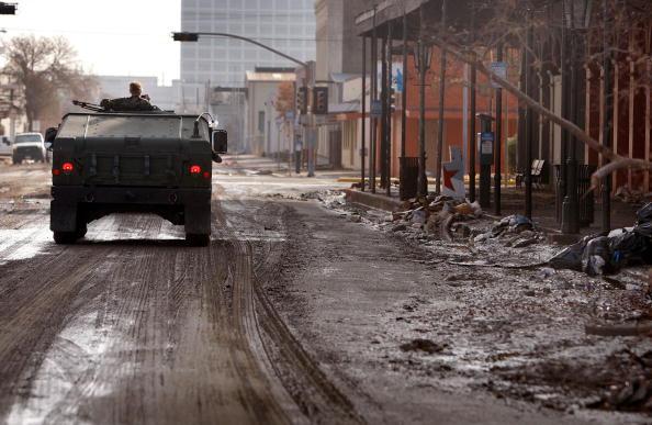 Hurricane Ike「Coastal Texas Faces Heavy Damage After Hurricane Ike」:写真・画像(16)[壁紙.com]