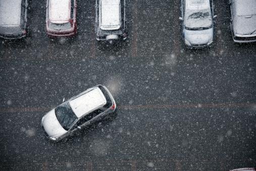 雪「冬の交通」:スマホ壁紙(1)