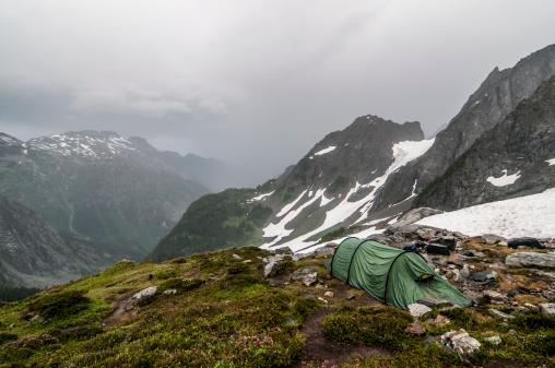 North Cascades National Park「A tent in the rain at Cascade Pass in North Cascades National Park, Washington」:スマホ壁紙(13)