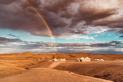 Tent「tent in the morocco desert with rainbow」:スマホ壁紙(17)