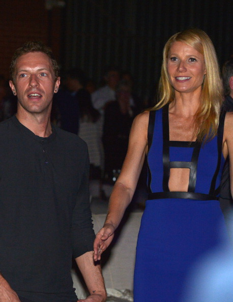 Gwyneth Paltrow「Hollywood Stands Up To Cancer Presented By The Entertainment Industry Foundation And Event Chairs Jim Toth And Reese Witherspoon Benefiting Stand Up To Cancer - Inside」:写真・画像(3)[壁紙.com]