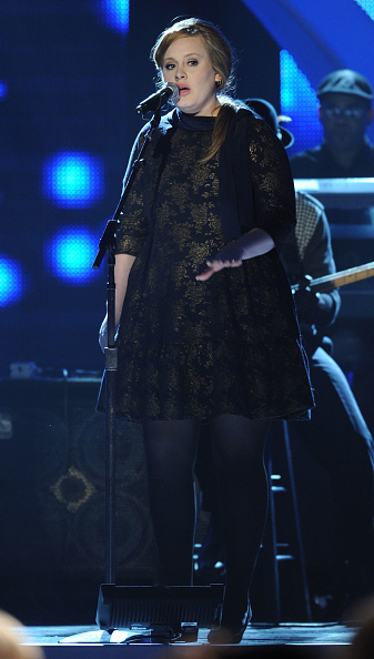 Adele - Singer「CMT Artists of the Year - Show」:写真・画像(4)[壁紙.com]