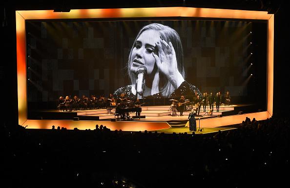 Adele - Singer「Adele Live 2016 - North American Tour In Phoenix, AZ」:写真・画像(9)[壁紙.com]