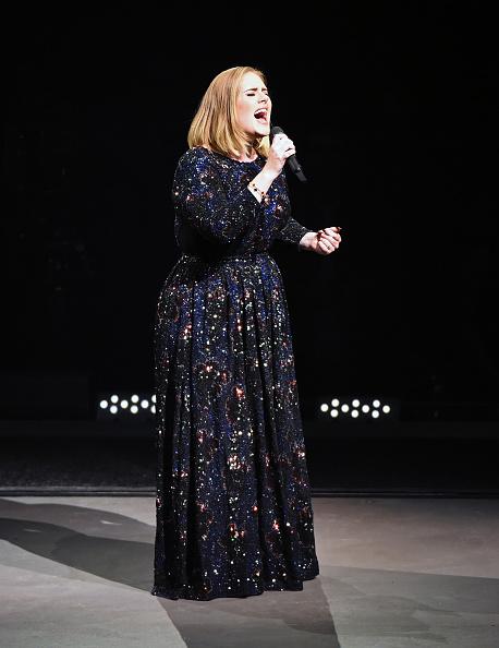 Adele - Singer「Adele Live 2016 - North American Tour In Phoenix, AZ」:写真・画像(6)[壁紙.com]