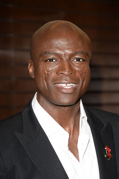 "Singer「Seal Signs Copies Of His Album ""7""」:写真・画像(12)[壁紙.com]"