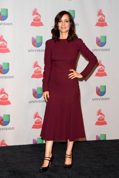 Round Toe Shoe「The 14th Annual Latin GRAMMY Awards - Press Room」:写真・画像(15)[壁紙.com]