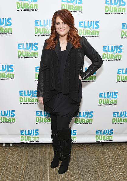 """Suede「Meghan Trainor Visits """"The Elvis Duran Z100 Morning Show""""」:写真・画像(7)[壁紙.com]"""