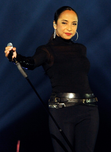 Singer「Sade And John Legend Perform At The MGM Grand Garden Arena」:写真・画像(11)[壁紙.com]