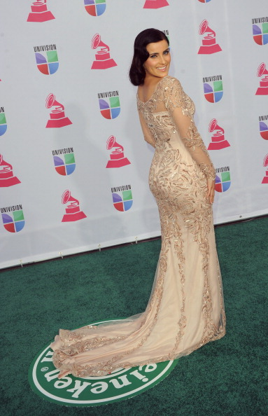 Silver Colored「The 13th Annual Latin GRAMMY Awards - Arrivals」:写真・画像(11)[壁紙.com]