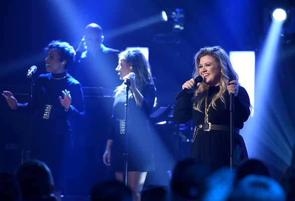 Kelly public「iHeartRadio Album Release Party with Kelly Clarkson」:写真・画像(7)[壁紙.com]