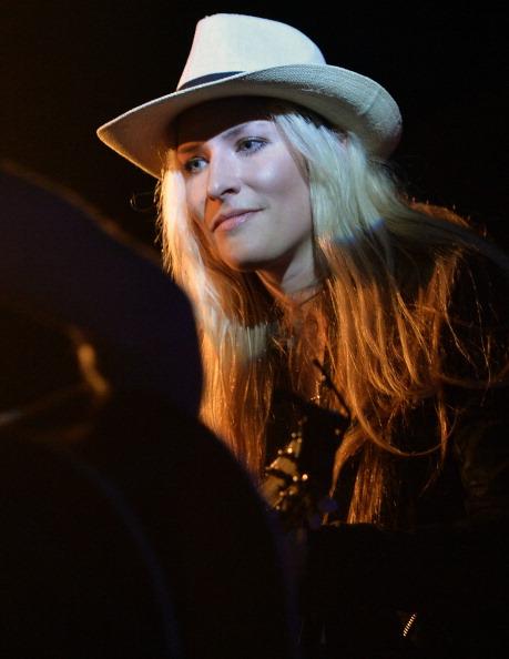 Headwear「Holly Williams Plays 3rd & Lindsley」:写真・画像(19)[壁紙.com]