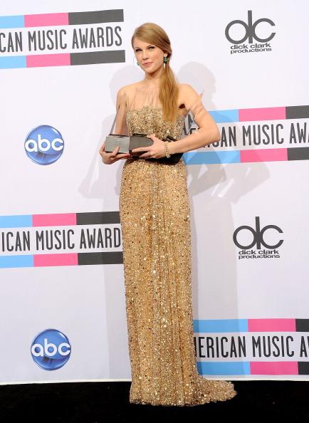 2011 American Music Awards「2011 American Music Awards - Press Room」:写真・画像(6)[壁紙.com]
