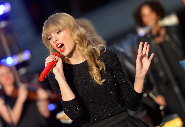 "Mike Coppola「Taylor Swift Performs On ABC's ""Good Morning America""」:写真・画像(14)[壁紙.com]"