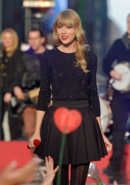 "Mike Coppola「Taylor Swift Performs On ABC's ""Good Morning America""」:写真・画像(10)[壁紙.com]"