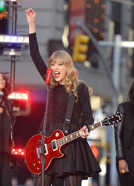 "Mike Coppola「Taylor Swift Performs On ABC's ""Good Morning America""」:写真・画像(12)[壁紙.com]"