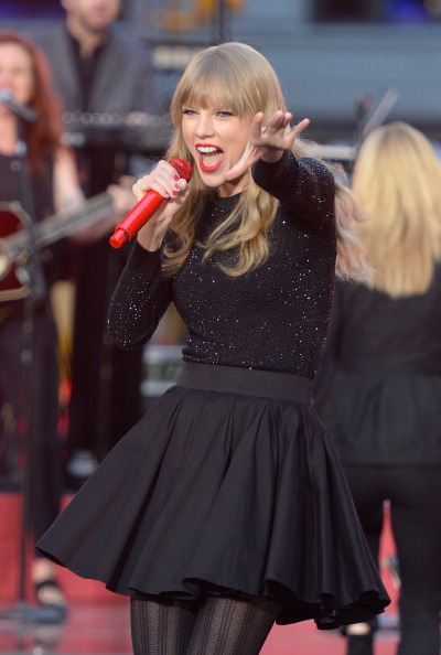 "Mike Coppola「Taylor Swift Performs On ABC's ""Good Morning America""」:写真・画像(11)[壁紙.com]"