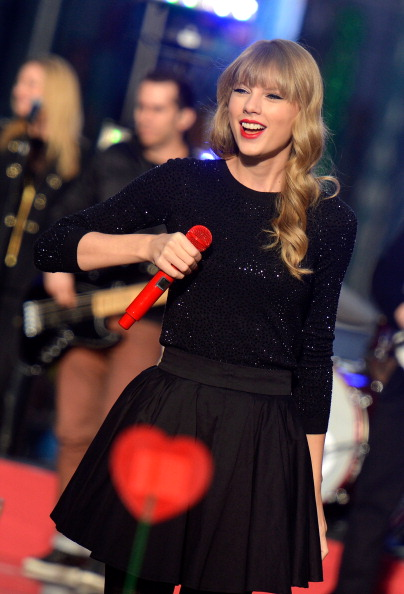 "Mike Coppola「Taylor Swift Performs On ABC's ""Good Morning America""」:写真・画像(1)[壁紙.com]"