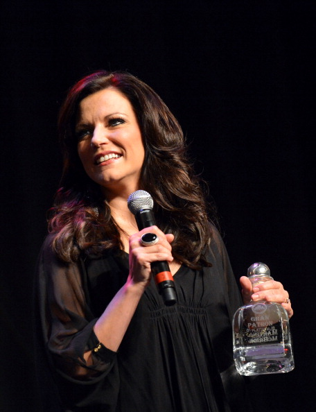 Glass - Material「Country Superstar Martina McBride To Headline 3rd Annual Hymns Hams And Jams Benefiting The Shalom Foundation」:写真・画像(14)[壁紙.com]