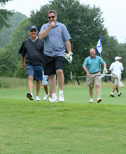 Small Group Of People「The 23nd Annual Vinny Pro-Celebrity-Junior Golf Invitational」:写真・画像(18)[壁紙.com]