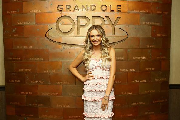 Sleeveless Dress「Carly Pearce Grand Ole Opry Induction」:写真・画像(1)[壁紙.com]