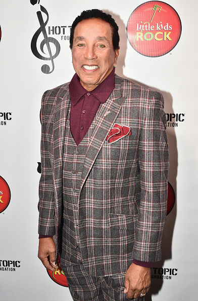 Smokey Robinson「Little Kids Rock Benefit 2016」:写真・画像(18)[壁紙.com]