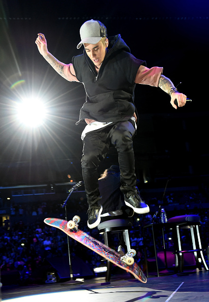 Skating「An Evening With Justin Bieber - Performances」:写真・画像(12)[壁紙.com]