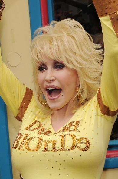 Event「Dolly Parton's Trinkets & Treasures Grand Opening」:写真・画像(1)[壁紙.com]