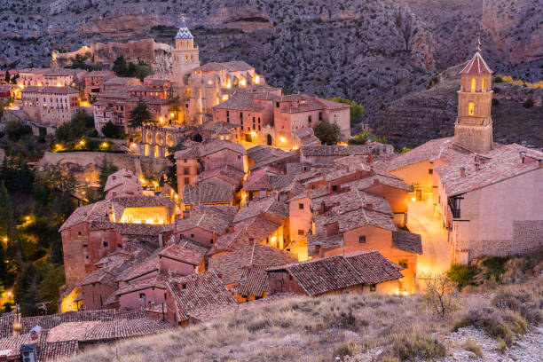 Albarracin - Medieval village in Aragon, Spain:スマホ壁紙(壁紙.com)