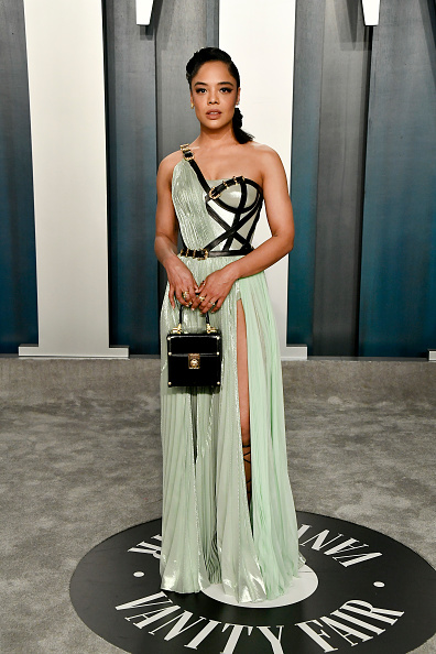 Green Dress「2020 Vanity Fair Oscar Party Hosted By Radhika Jones - Arrivals」:写真・画像(13)[壁紙.com]