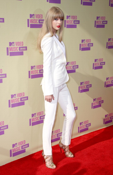 White Suit「2012 MTV Video Music Awards - Arrivals」:写真・画像(13)[壁紙.com]