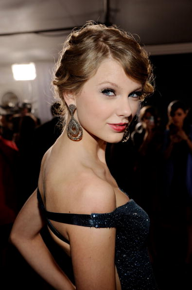 52nd Grammy Awards「The 52nd Annual GRAMMY Awards - Arrivals」:写真・画像(9)[壁紙.com]