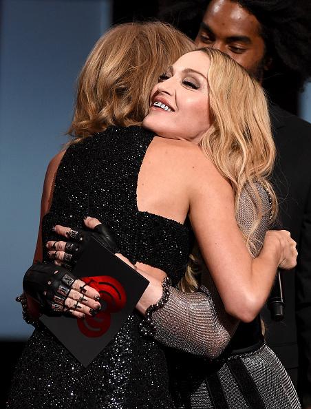 女性歌手「2015 iHeartRadio Music Awards On NBC - Show」:写真・画像(12)[壁紙.com]