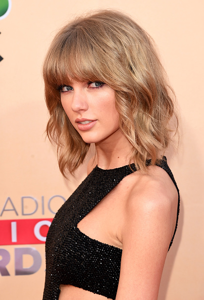 Taylor Swift「2015 iHeartRadio Music Awards On NBC - Arrivals」:写真・画像(6)[壁紙.com]