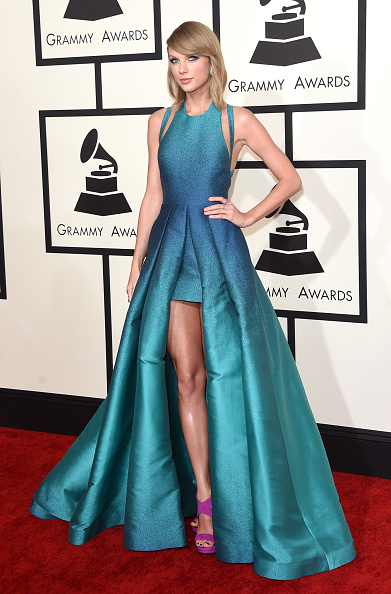 Turquoise Colored「57th GRAMMY Awards - Arrivals」:写真・画像(14)[壁紙.com]