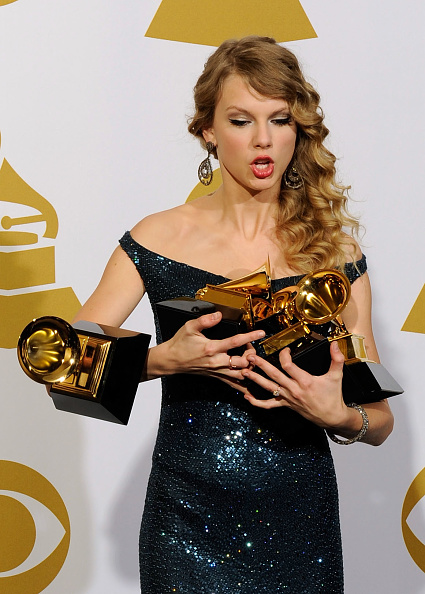 Courage「The 52nd Annual GRAMMY Awards - Press Room」:写真・画像(13)[壁紙.com]