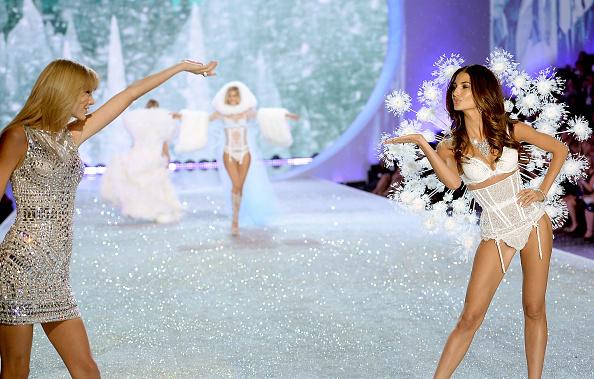 Victoria's Secret「2013 Victoria's Secret Fashion Show - Show」:写真・画像(16)[壁紙.com]