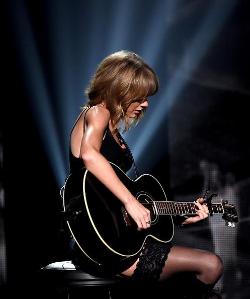 Shrine Auditorium「2015 iHeartRadio Music Awards On NBC - Show」:写真・画像(3)[壁紙.com]