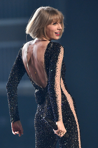 Taylor Swift「The 58th GRAMMY Awards - Show」:写真・画像(8)[壁紙.com]