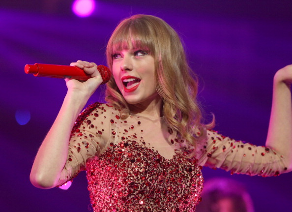 Red「KIIS FM's 2012 Jingle Ball - Night 1 - Show」:写真・画像(15)[壁紙.com]
