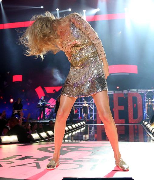 Hair Toss「2012 iHeartRadio Music Festival - Day 2 - Show」:写真・画像(7)[壁紙.com]