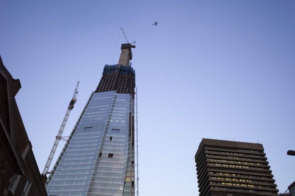 Incomplete「Plane Over The Shard」:写真・画像(13)[壁紙.com]