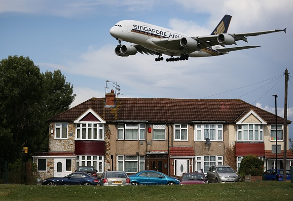 Heathrow Airport「The Debate Over The Third Runway At Heathrow Airport Continues」:写真・画像(14)[壁紙.com]