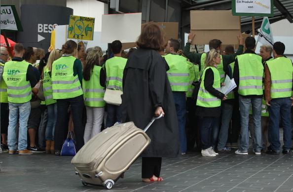 Passenger Cabin「Lufthansa Cabin Crew Strike Nationwide」:写真・画像(9)[壁紙.com]