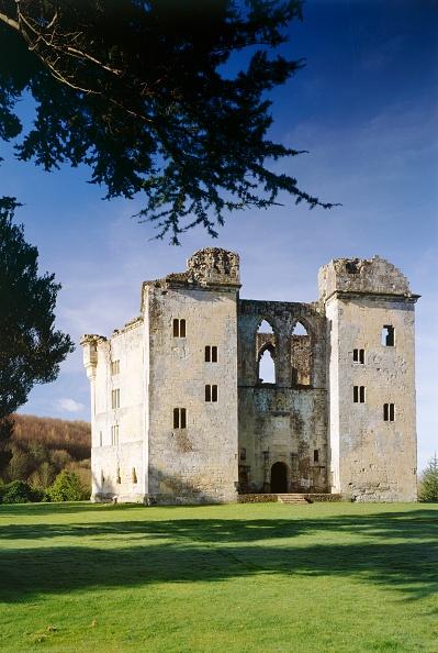 Circa 14th Century「Wardour Castle」:写真・画像(3)[壁紙.com]