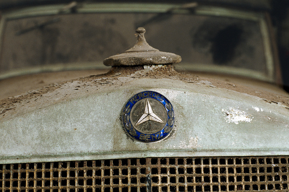Peeling Off「A Mercedes-Benz Owned By Prince Frederick of Prussia」:写真・画像(0)[壁紙.com]