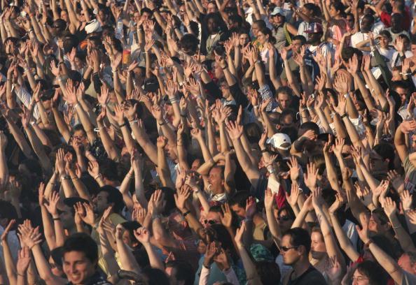 Crowd of People「Live 8 Paris - Stage」:写真・画像(8)[壁紙.com]