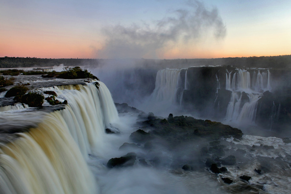 National Park「Iguacu Falls A Finalist In New Seven Wonders Of Nature Contest」:写真・画像(19)[壁紙.com]